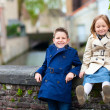 Kids outdoors in city — Stock Photo