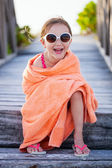 Roztomilá holčička na pláži — Stock fotografie