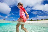 Cute little girl on vacation — Stock Photo