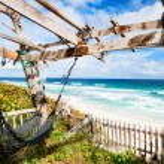 Tropical beach and sea — Stock Photo