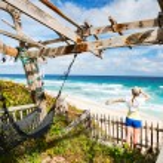 Woman enjoying beach view — Stock Photo
