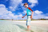 Sevimli çocuk beach — Stok fotoğraf