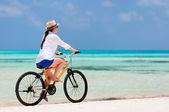 Giovane donna bike — Foto Stock