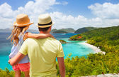 Family at Trunk bay on St John island — Foto de Stock