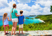 Family at Trunk bay on St John island — Stok fotoğraf