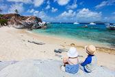 Tho kids enjoying tropical scenery — Stock Photo