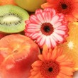 Ripe fruits and flowers — Stock Photo