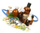 Tabletki na leczenie choroby — Zdjęcie stockowe