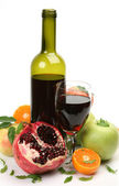 Wine and ripe fruits — Stock fotografie