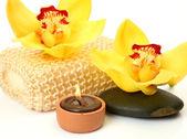 Bloemen en kaarsen — Stockfoto