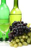 Dojrzałe owoce i wino — Zdjęcie stockowe