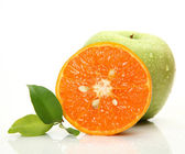 Fresh orange and green apple — Stock fotografie