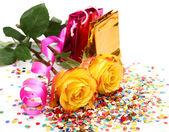 Roses and confetti — Photo