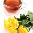 Yellow roses and tea — Stock Photo
