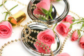 Mirror and rose — Stock Photo