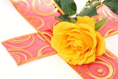 желтая роза — Стоковое фото