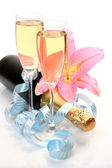 Pink lily and wine — Stockfoto