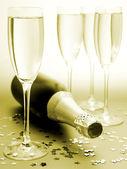 Champanhe e confetes — Foto Stock