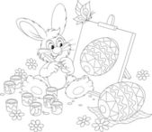 Easter Bunny drawing a decorated Easter egg — Vector de stock