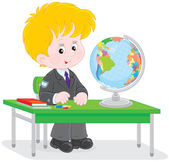 Schoolboy at geography lesson — Stock Vector