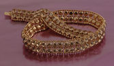 Golden chain — Stock Photo
