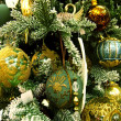 Green decorations on the  christmas tree — Stock Photo