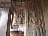 Apsara on the wall of Angkor Wat in Siem Reap, Cambodia. — Stock Photo