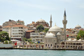 Istanbul Mosque at the riverside of Bosphorus — Stock Photo