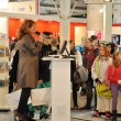 Author presenting her book at Leipzig Book fair — Stock fotografie