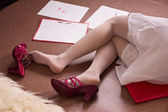 Lifeless business woman lying on the floor (imitation) — Stock Photo