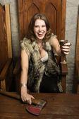 Mujer escandinava en el interior de un castillo medieval — Foto de Stock