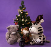 Christmas. Gifts on a fir branches background — ストック写真