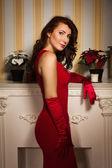 穿红裙子的时尚女士 — 图库照片