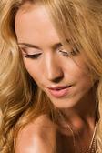 Porträtt av den vackra blondin — Stockfoto