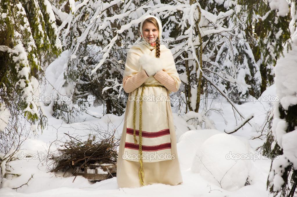Картинки девушек зимой в лесу