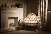 豪华复古室内带壁炉 — 图库照片