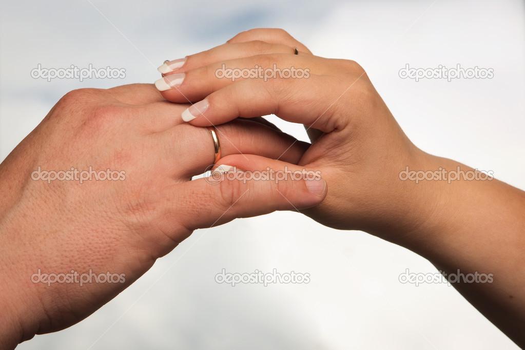 Во сне снимать обручальное кольцо