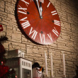 Christmas clocks showing few minutes left to new year — Stockfoto