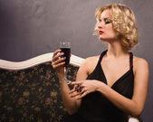 Sensual blonde in the vintage interior — Fotografia Stock