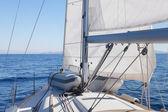 Blöcke mit Seil auf Segelboot — Stockfoto