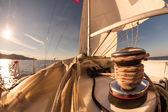 Torno con cuerda en el barco de vela — Foto de Stock