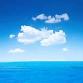 Ocean and sky — Stock Photo