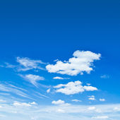 Cielo azul nublado — Foto de Stock