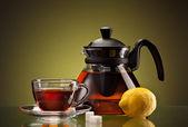 Filiżanki herbaty i pot — Zdjęcie stockowe