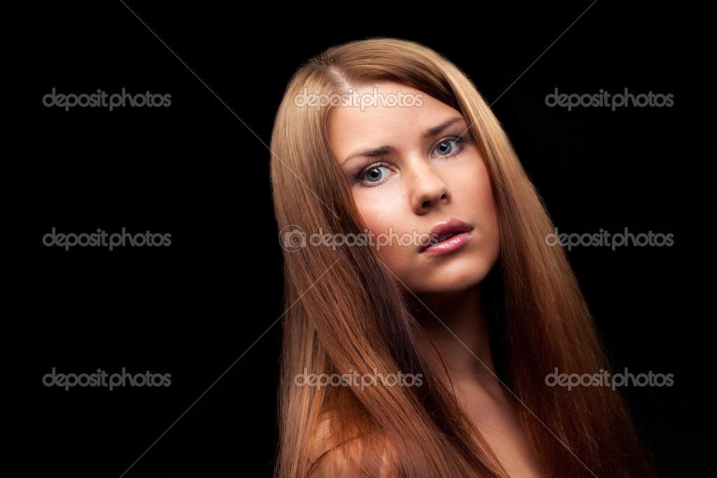 长头发健康的美丽女人 - 图库图片图片