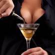 Barmaid mixing drink — Stock Photo