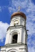 Torre del campanario. el monasterio de bogoroditsky raifa, kazan, tatarstan, — Foto de Stock