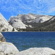 Tioga blue lake — Stock Photo