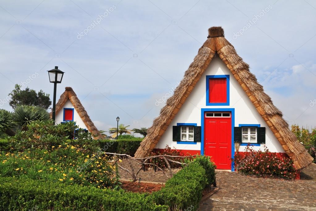 两个迷人的农村房子