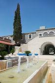 Un patio confortable dans le centre touristique — Photo